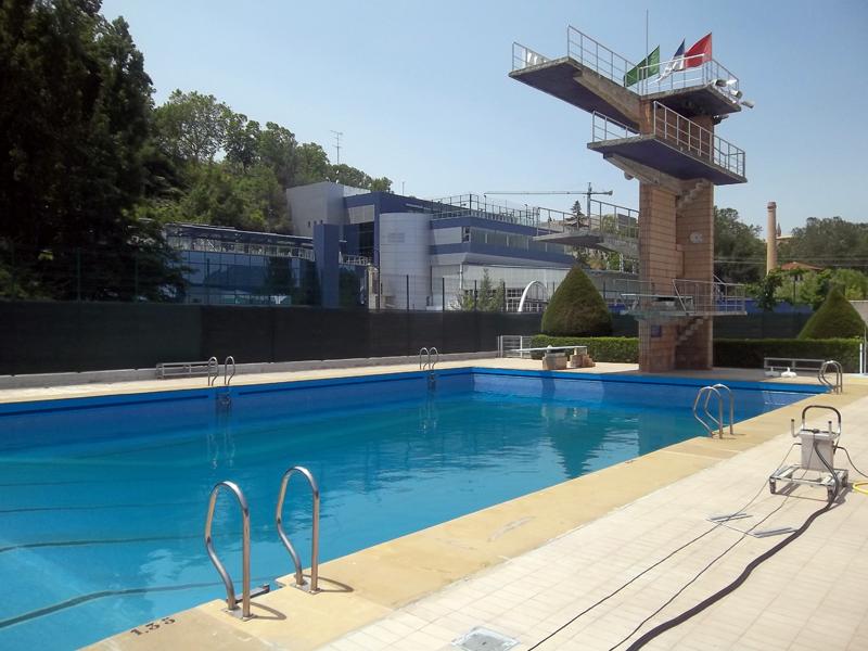 Club nataci n pamplona for Trampolin para piscina